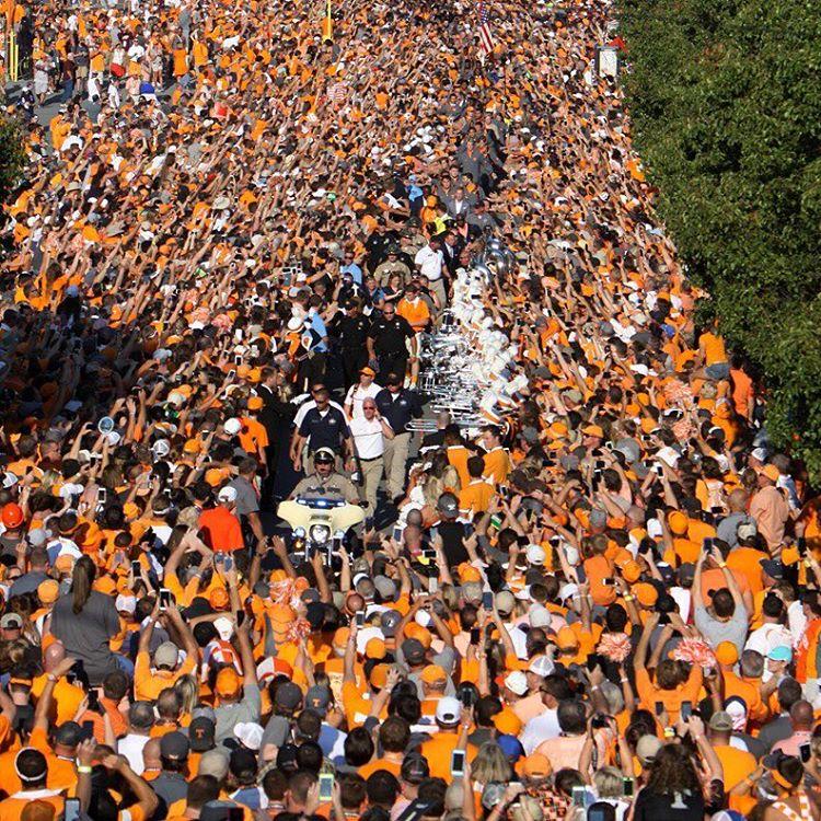 254/365 Just a few #Vol fans lining the Vol Walk before the #BattleAtBristol.