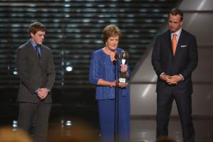 Son Tyler Summitt and UT legendary quarterback Peyton Manning present Pat Summitt with the Arthur Ashe Courage Award at ESPN's 2012 ESPY Award Show. PHOTO BY RICH ARDEN/ESPN IMAGES